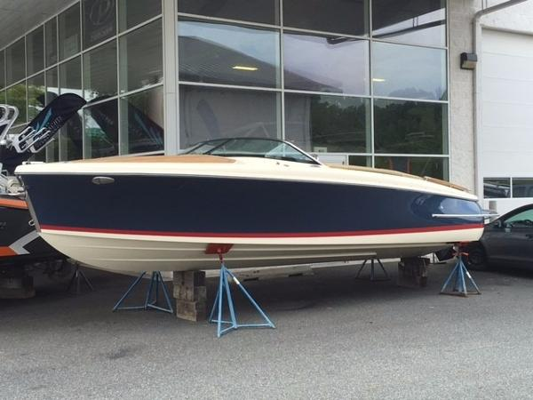 2017 Chris-Craft Capri 25