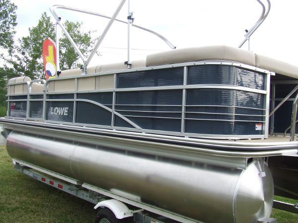 2016 Lowe SS 210
