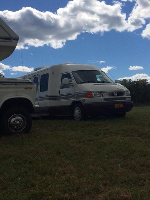 1999 Winnebago Eurovan Camper RIALTA 22HD