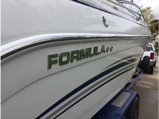 2003 Formula 260BR