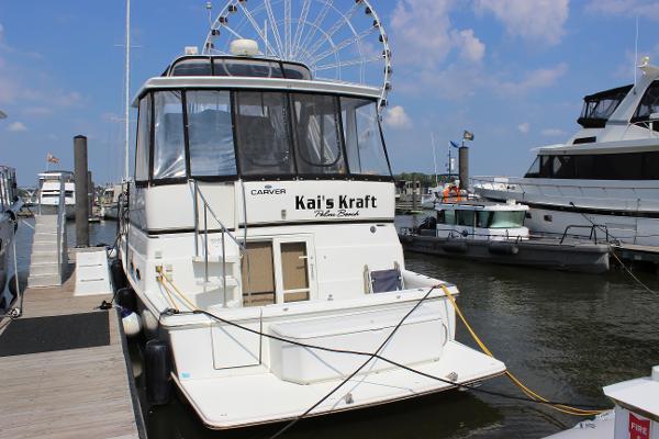 2002 CARVER YACHTS 404 Cockpit Motor Yacht