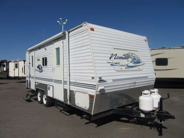 2006 Skyline NOMAD 225LT FRONT WALKAROUND BED