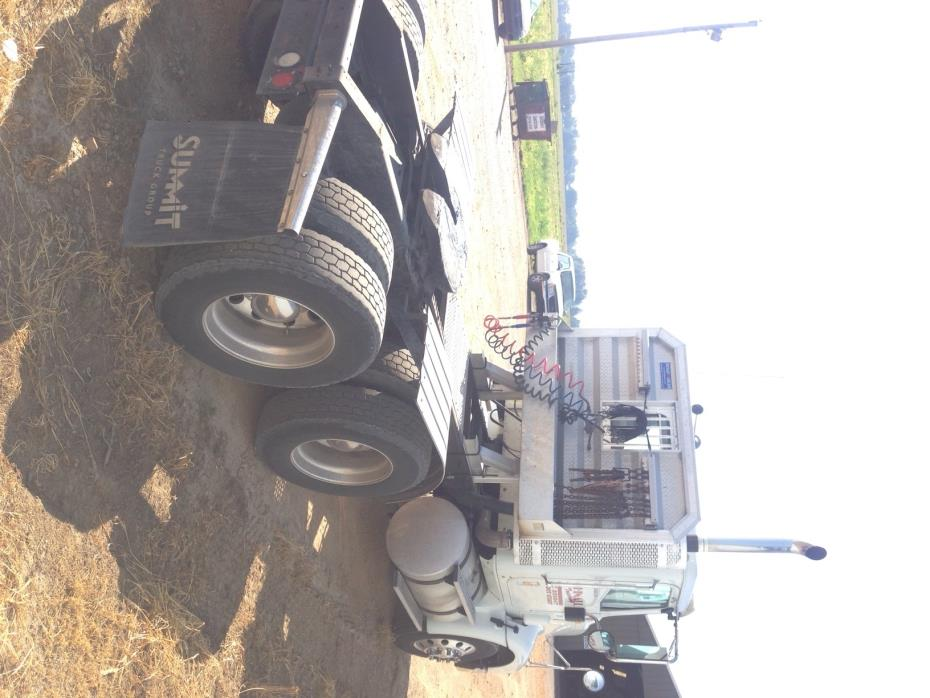 2009 Navistar 9200  Conventional - Day Cab