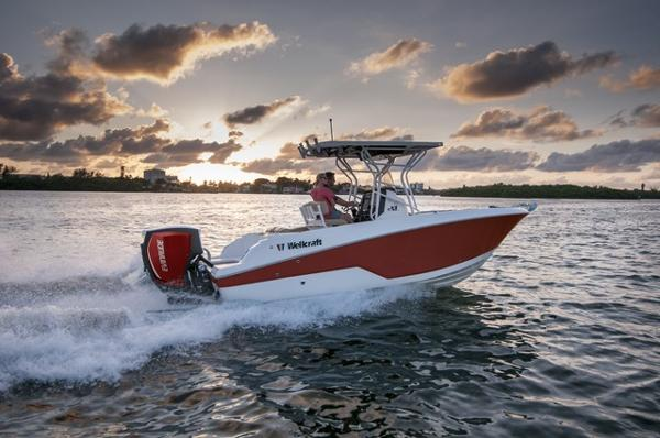 2016 Wellcraft 222 Fisherman
