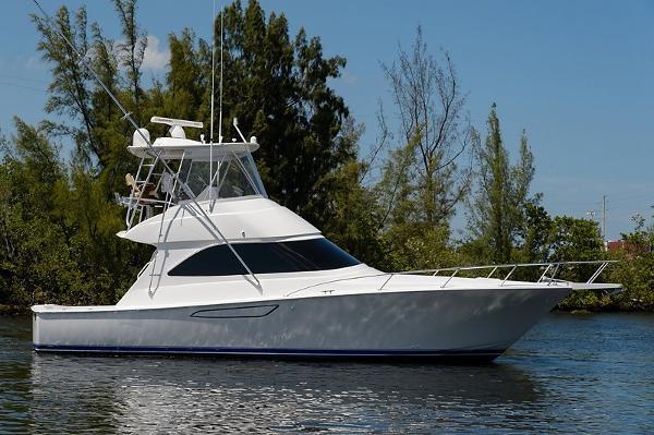 2017 Viking Yachts 42 Convertible