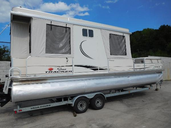 Sun Tracker 30 Party Hut Boats for sale