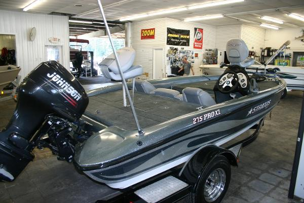 2004 Stratos 275XL