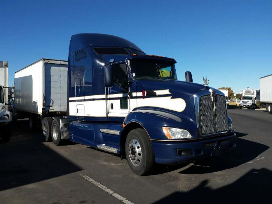 2010 Kenworth T660 Conventional - Day Cab