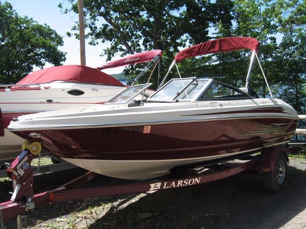 2012 Larson LX 860