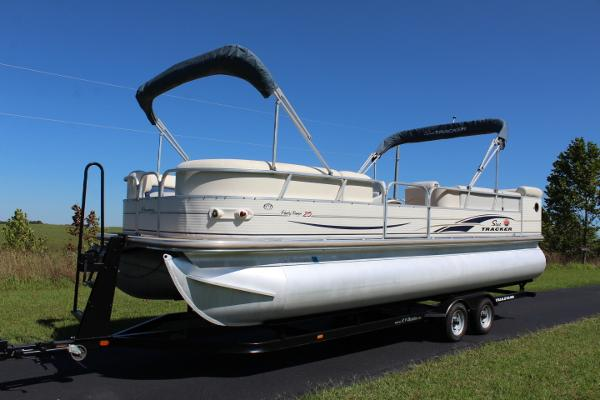 2005 2005 Suntracker Regency 25