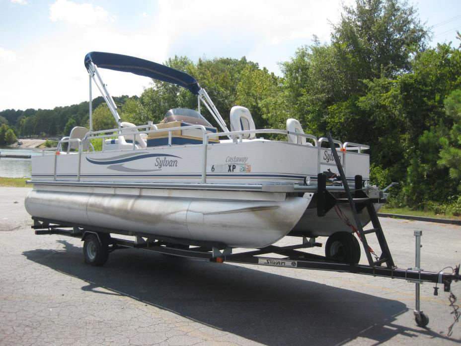 2003 Sylvan 820 Castaway 4.0 Pontoon