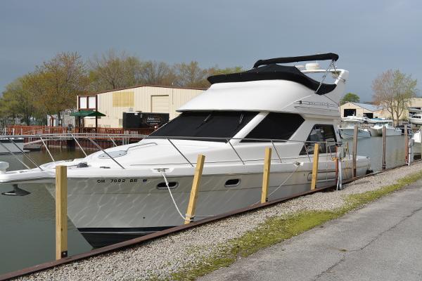 1996 Bayliner 3788 Command Bridge Motoryacht