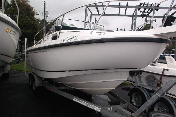 1999 Boston Whaler 21 Conquest Walkaround