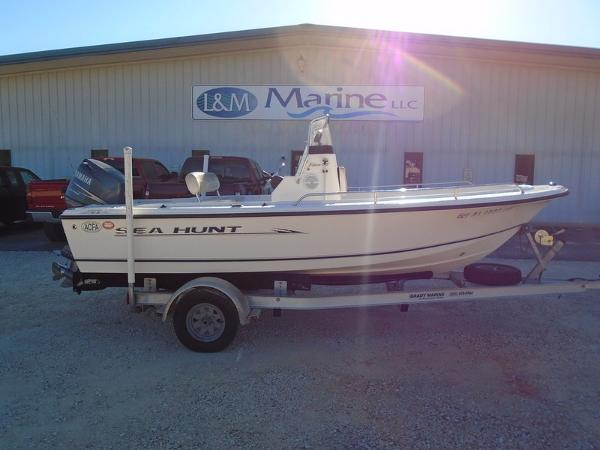 2006 Sea Hunt Triton 172