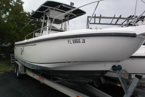 1998 Boston Whaler 26 Outrage Center Console