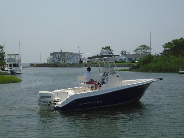 2012 Sea Swirl Striper 2105