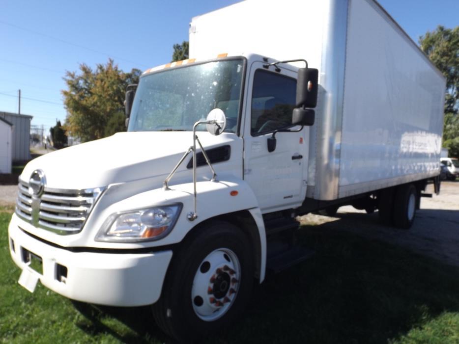 2008 Hino 338 Box Truck - Straight Truck