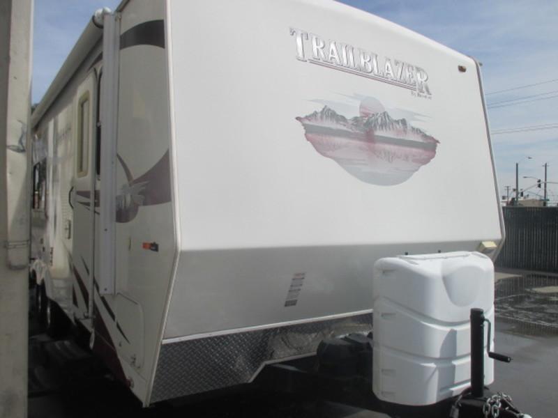 2010 Komfort Trailblazer 240S