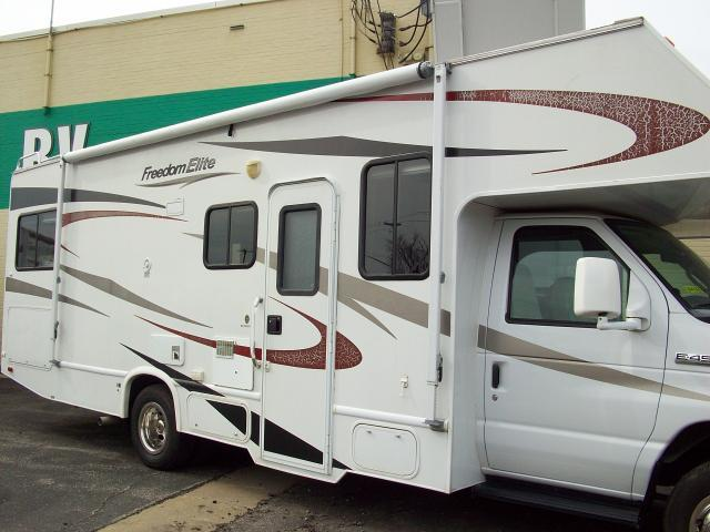 2010 Four Winds Freedom Elite 26E