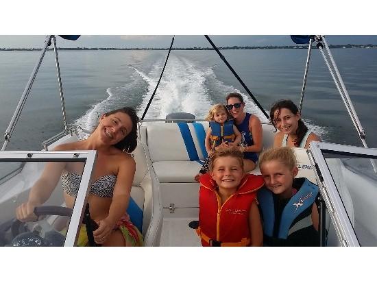 2001 Splendor Platinum 259 Cuddy Outboard