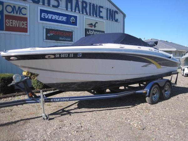 2007 Four Winns 220 Horizon