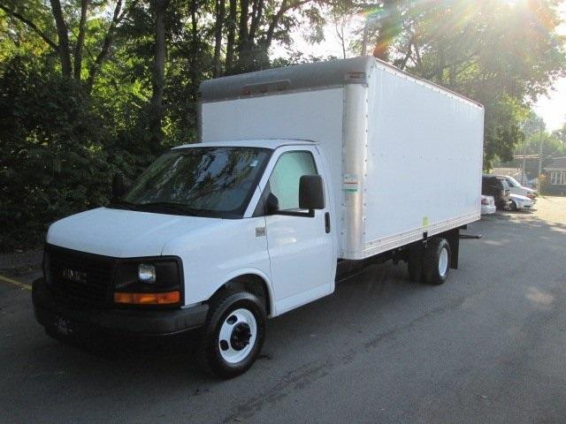 2008 Gmc Savana Cutaway  Cutaway-Cube Van