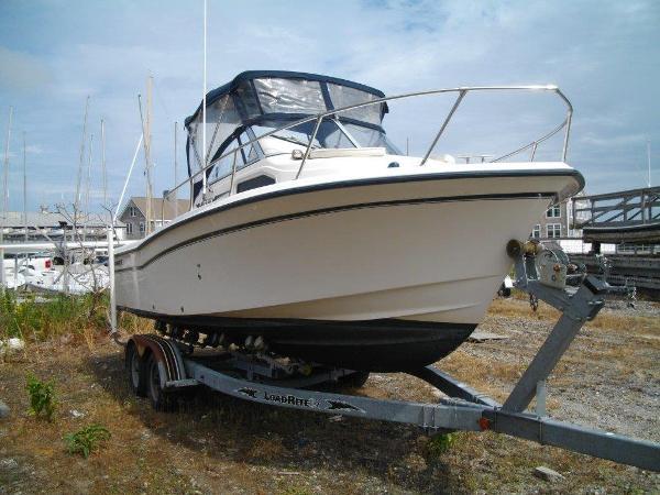 2004 Grady White 226 Seafarer