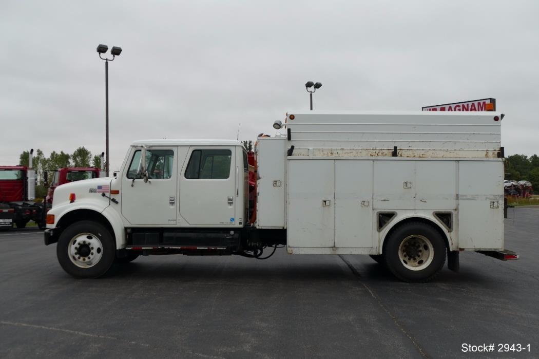 2002 International 4700 Mechanics Truck