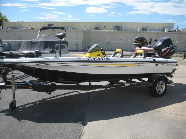 Champion 188 Elite Boats For Sale