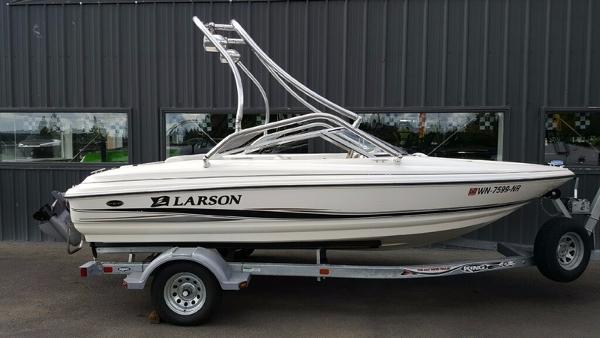 2005 Larson 180