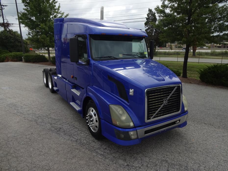 2007 Volvo Vnl64t630  Conventional - Sleeper Truck