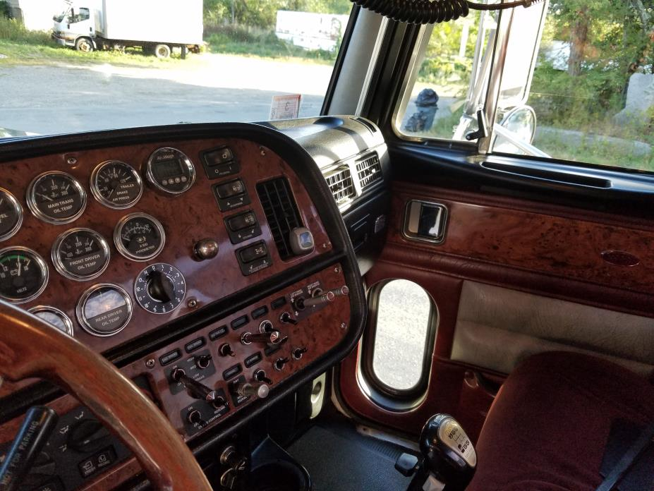 2005 Peterbilt 379exhd  Conventional - Day Cab