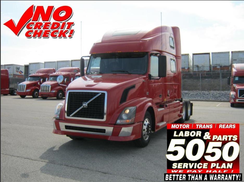 2011 Volvo 780  Conventional - Sleeper Truck