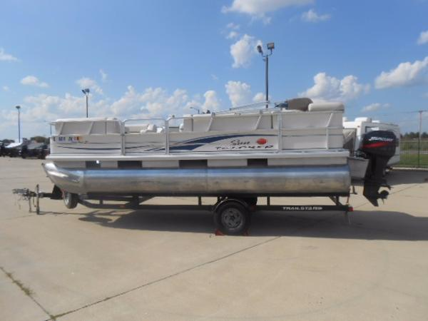 2004 Sun Tracker Party Barge 21