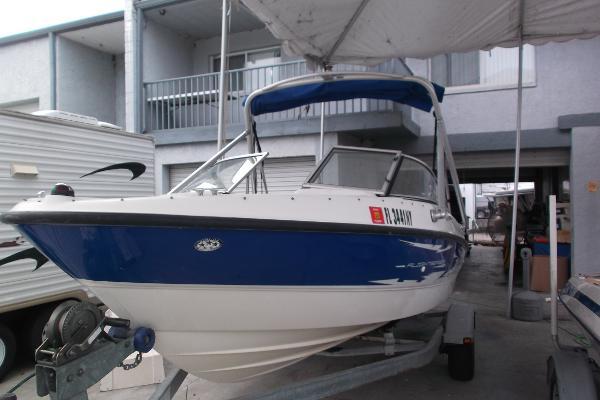 2007 Bayliner 185 Flight Wakeboard Boat