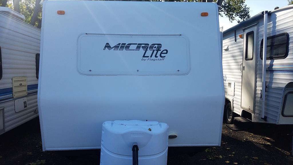 2010 Forest River Flagstaff Micro Lite 18FBRS