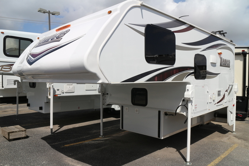 2017 Lance Truck Campers 850