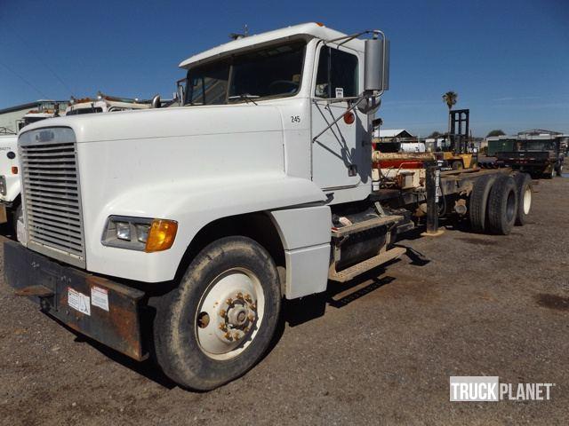 1990 Frieghtliner Fld120  Bucket Truck - Boom Truck