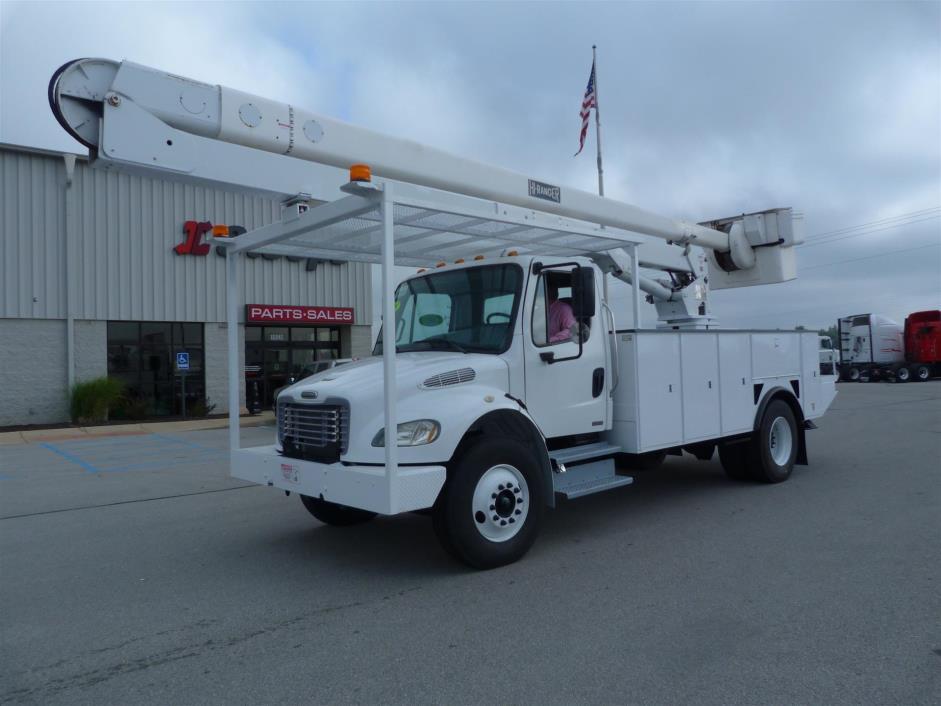 2003 Freightliner M2106 Bucket Truck - Boom Truck