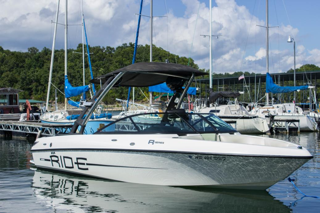 2011 Malibu Boats LLC V-RIDE