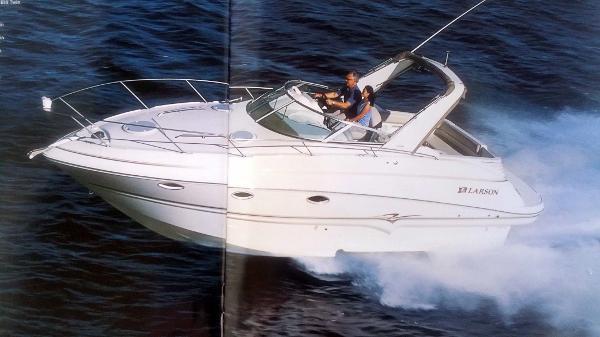 2003 Larson 31 Cabrio