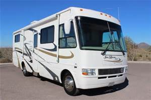 2005 National SEA BREEZE LX 31FT. DOUBLE SLIDE-OUT