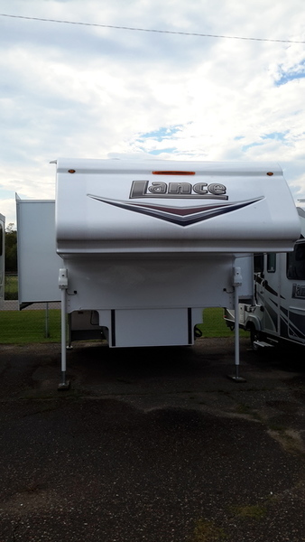 2016 Lance Truck Campers 1062