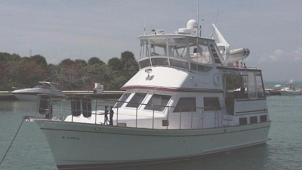 1984 Marine Trader Labelle 43 Sundeck Fuel Efficient!