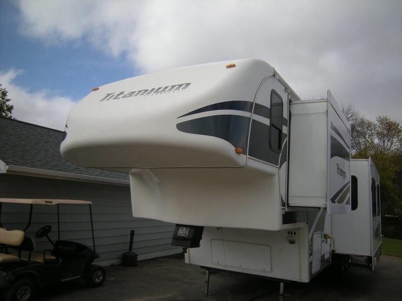 2007 Glendale Rv Titanium Toy Hauler 36E41MPRV