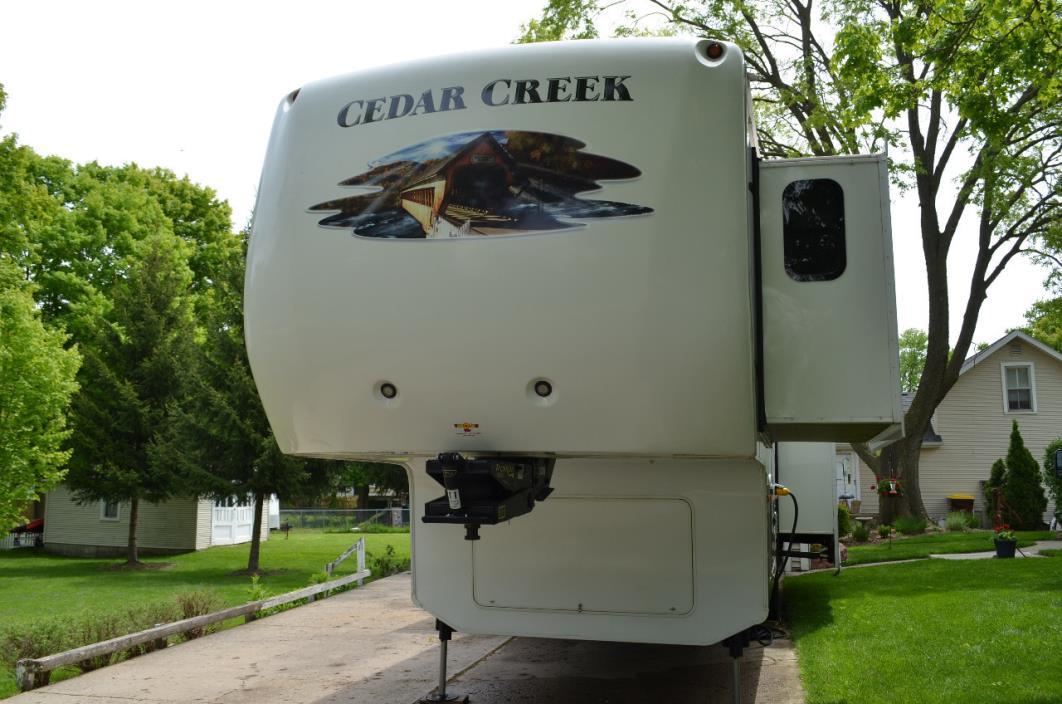 2012 Forest River CEDAR CREEK FIFTH WHEEL 34RL
