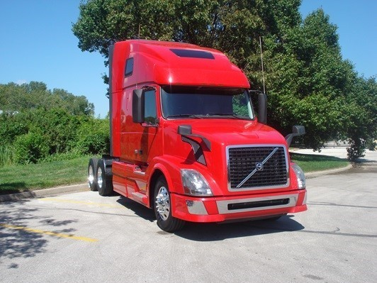 2013 Volvo Vnl  Conventional - Day Cab