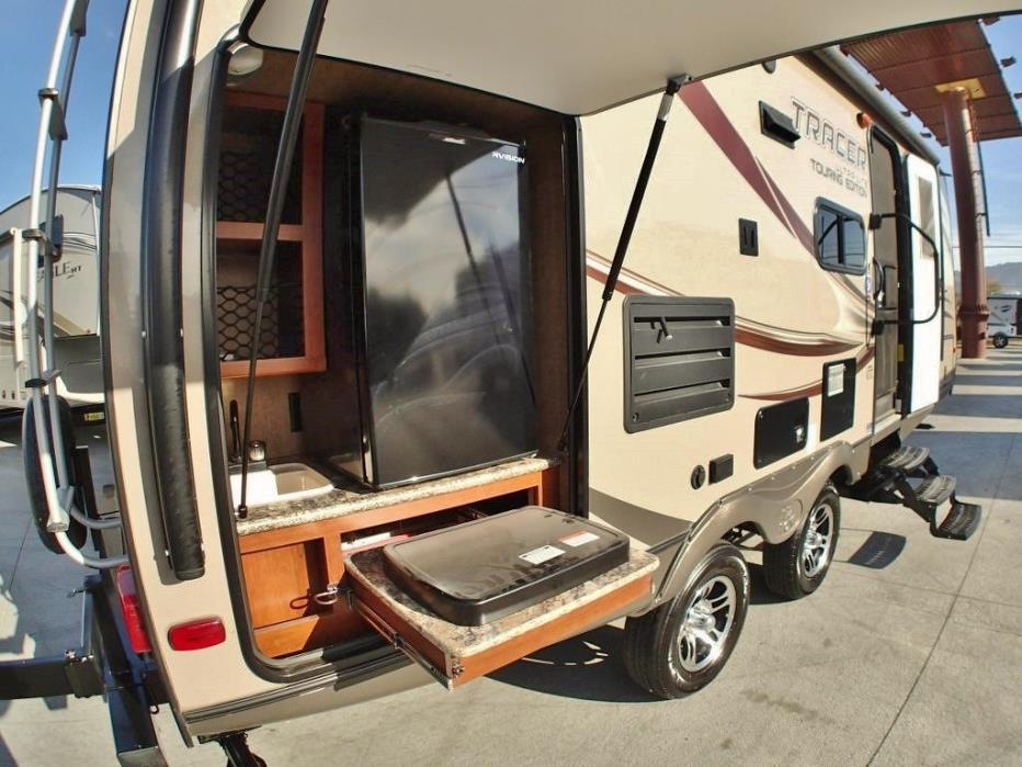 2015 Prime Time Tracer 230FBS