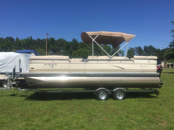 2005 Avalon Windjammer - 22'