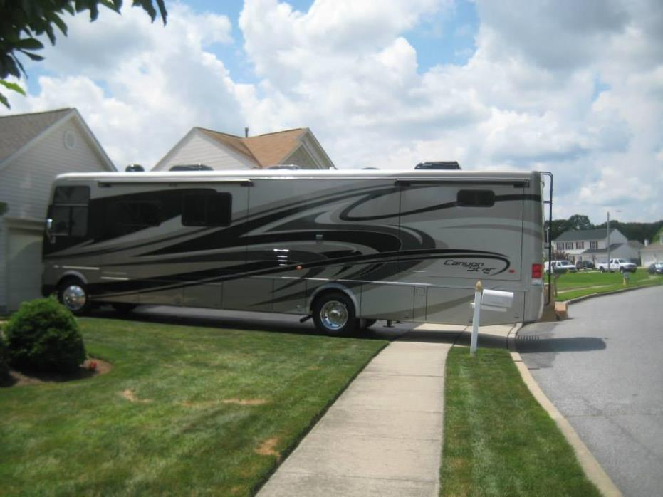2014 Newmar Canyon Star 3911